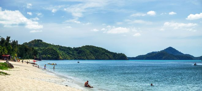 langkawi hotels near beach