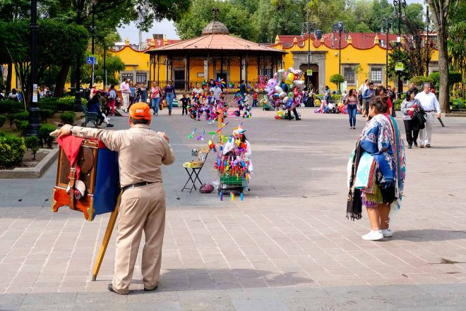 mexico people street