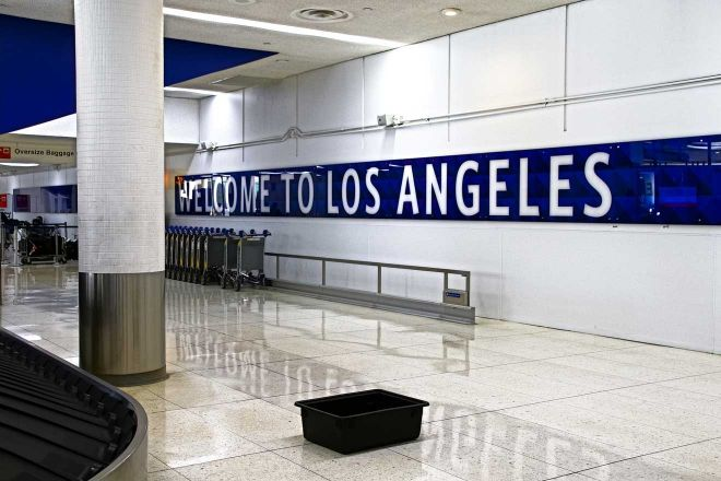 la airport