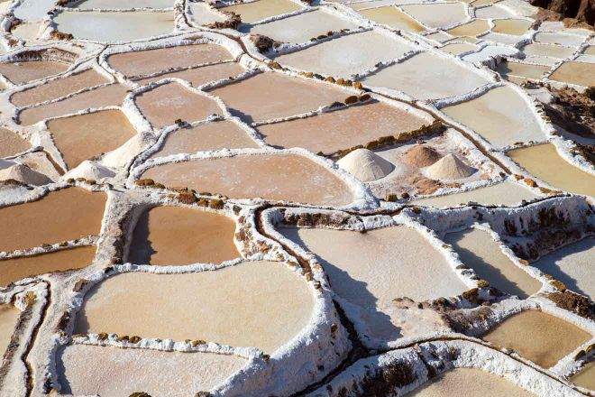 salt evaporation ponds peru