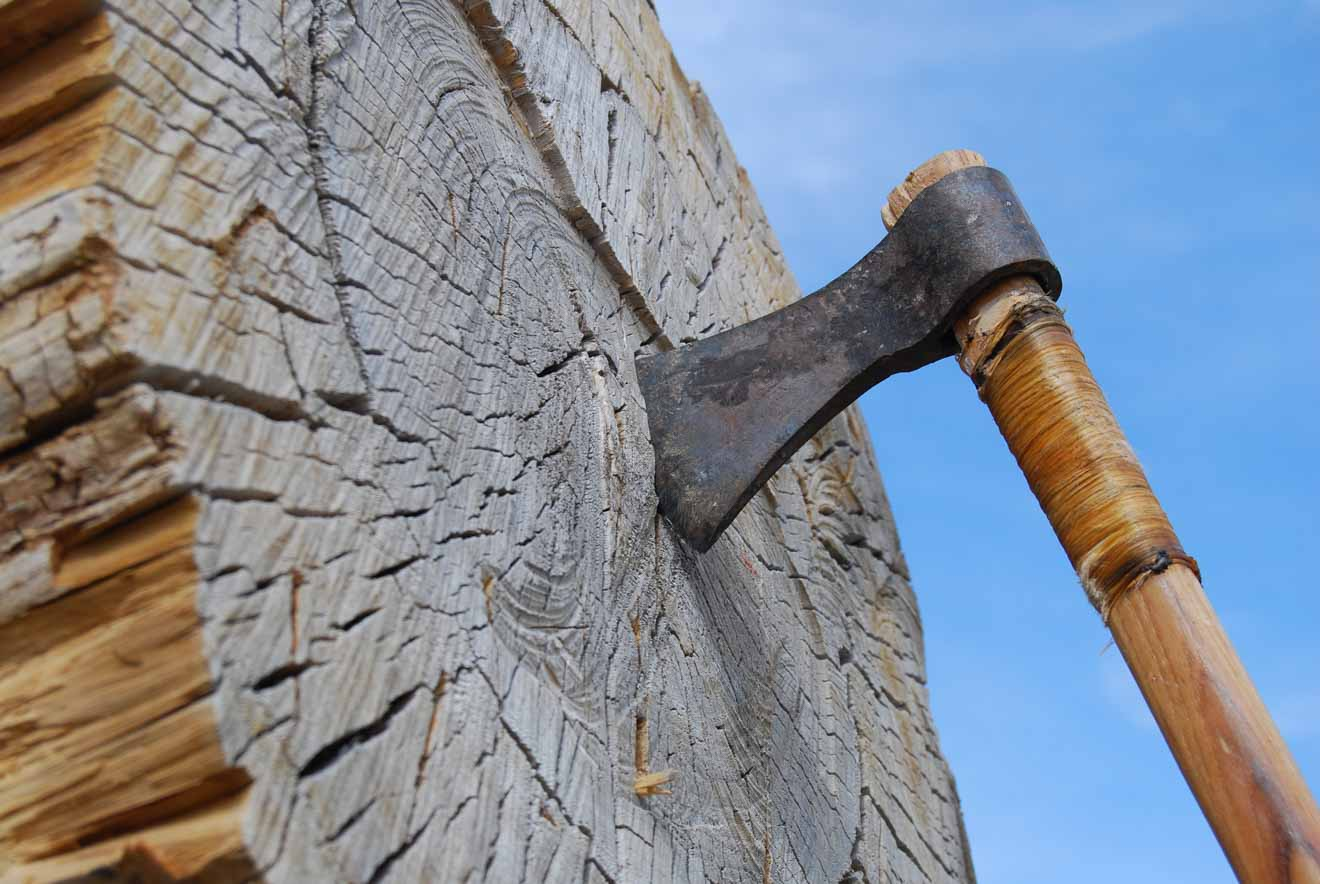 Axe Throwing Glenworth Valley Activities