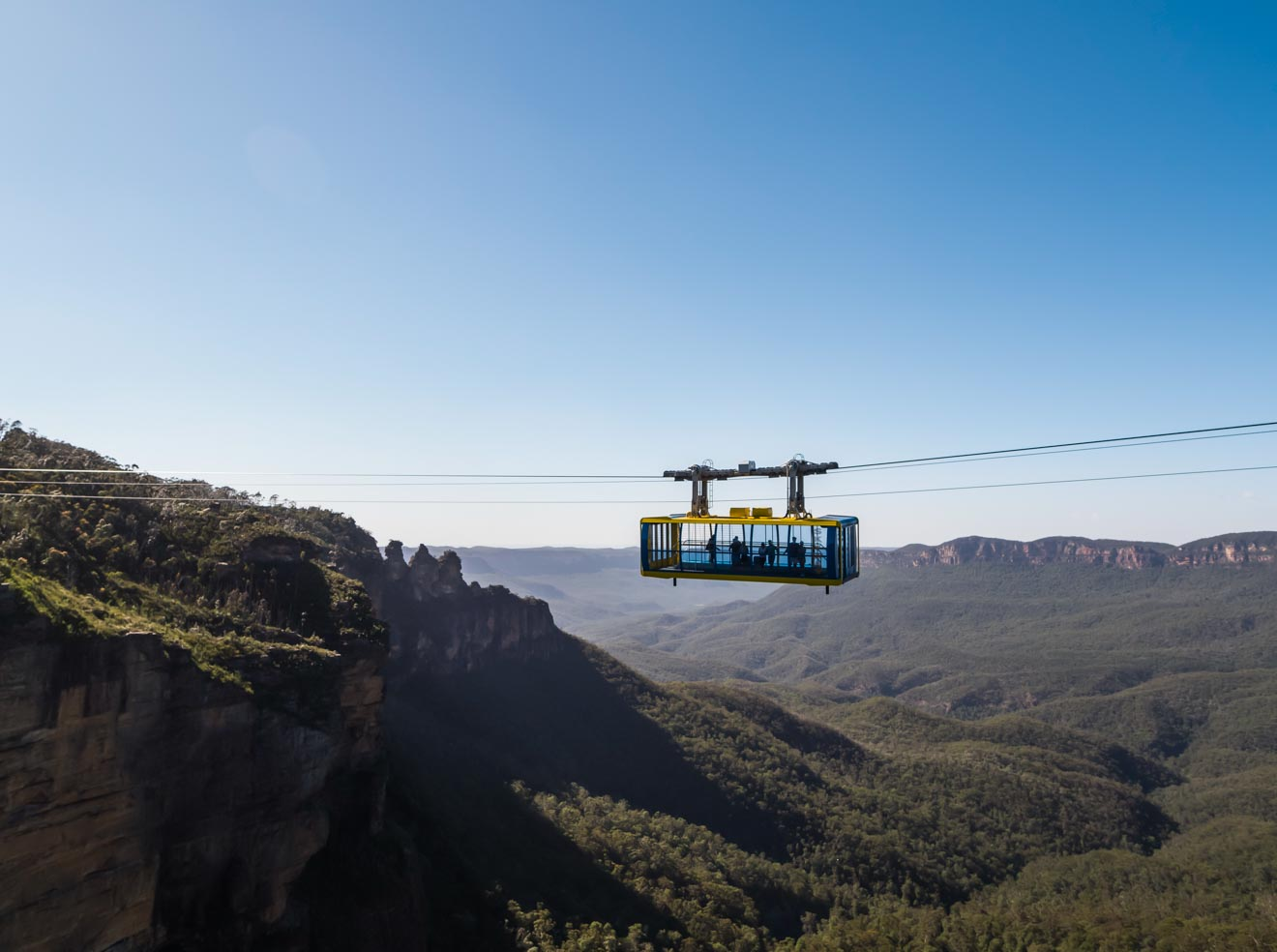 Skyway cabin passes over the Jamison Valley Blue Mountains prices