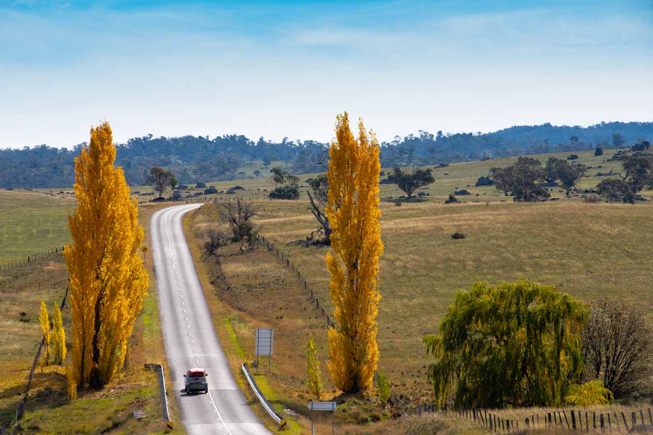 road in the Snowy Mountains region of NSW how to get