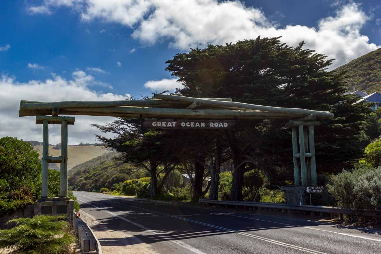 great ocean road attractions map - wooden gate Great ocean road itinerary