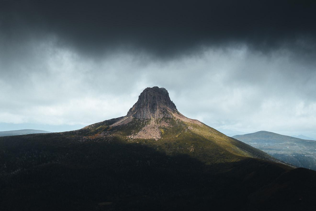 Discover Tasmania - Barn Bluff