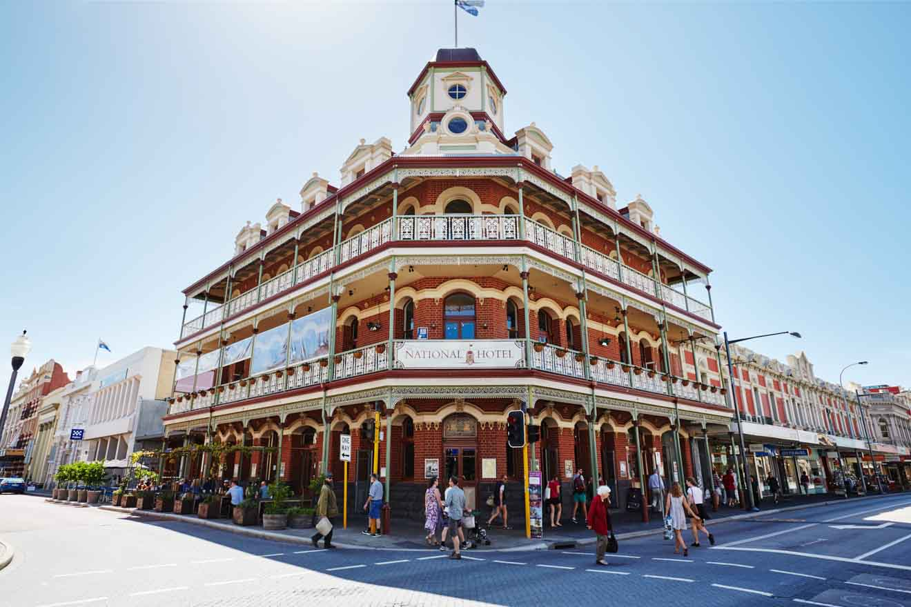 things to do in perth city - National Hotel, Fremantle