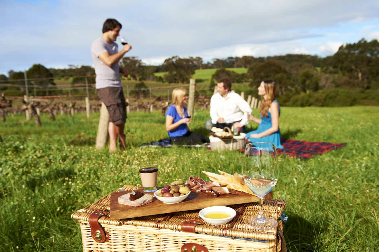 things to do Picnic Margaret River Wineries