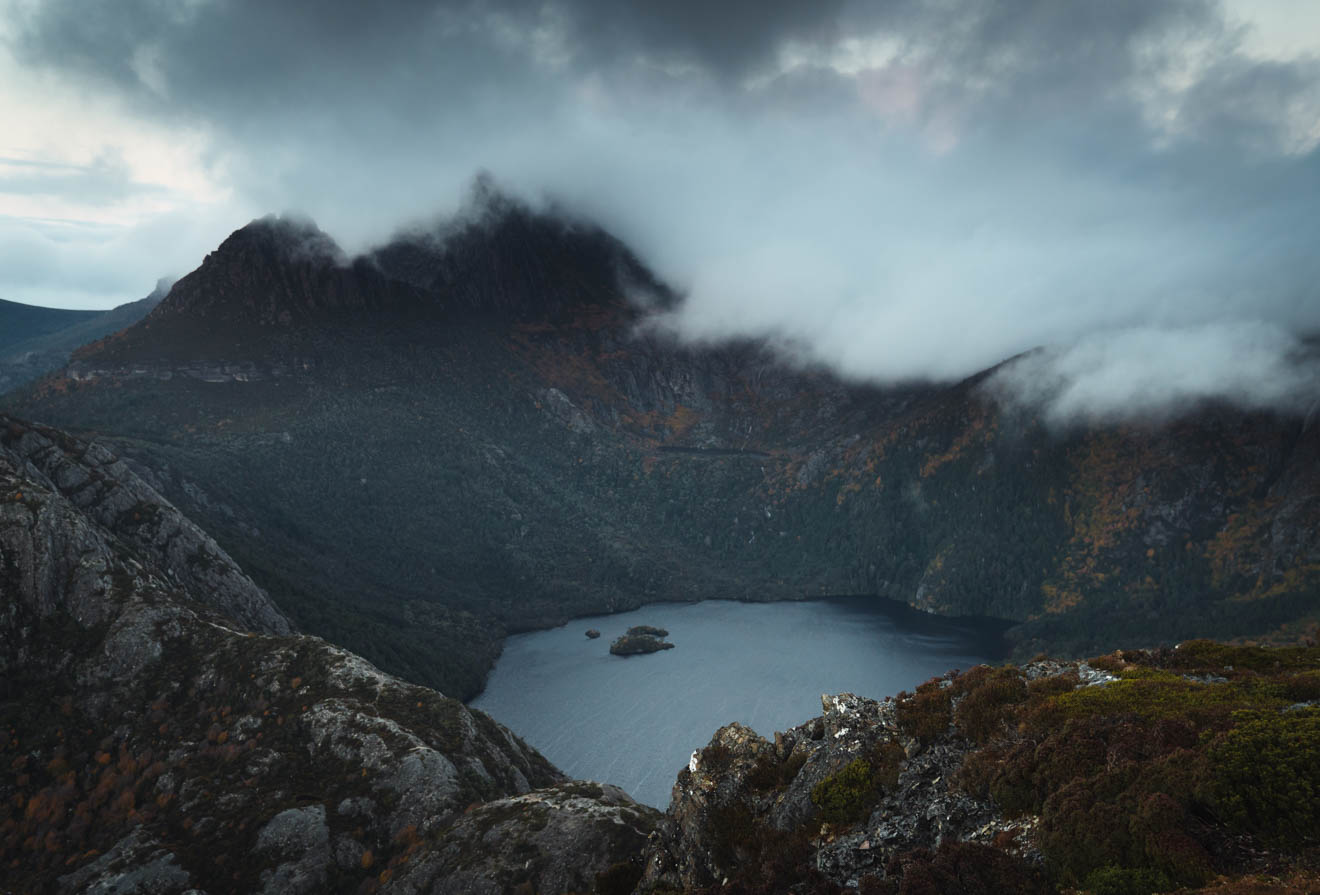 hiking cradle mountain in winter - View of Dove Lake and Cradle Mountain from Mt Campbell
