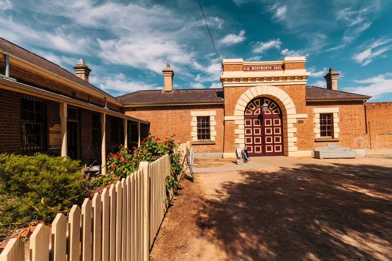 Mildura information - Travel Victoria: accommodation - building Things to do in Mildura
