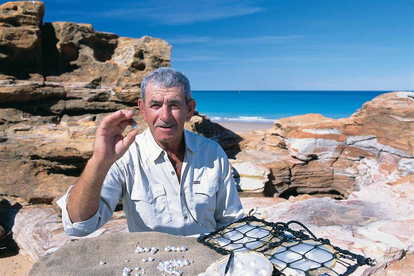 local pearl sorting Things to Do in Broome, eden