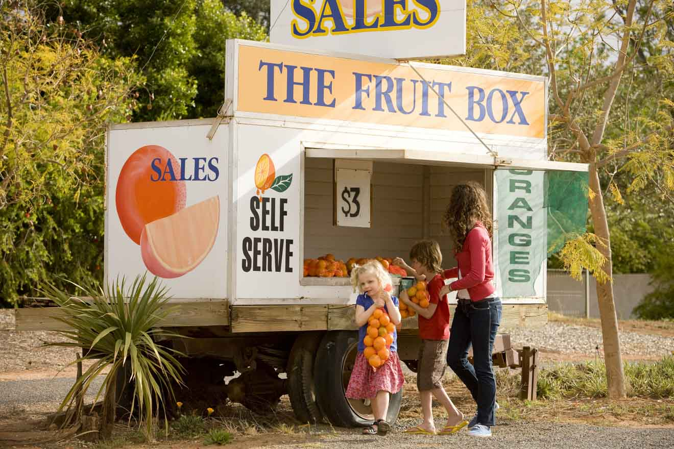 Things to do in Mildura with Kids - roadside fruit stall Things to do in Mildura