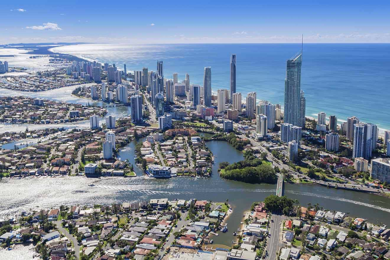 2 Surfers Paradise luxury and budget hotels