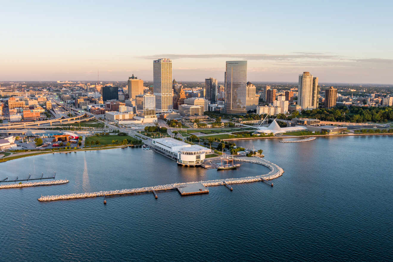 Where to Stay in Milwaukee, Wisconsin– 4 Beautiful Areas with the Best Hotels!